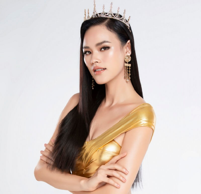 Hoa hậu - Người mẫu Tuyết Lan trải nghiệm phun môi lụa và xử lý thâm tại Viện Thẩm Mỹ Diva
