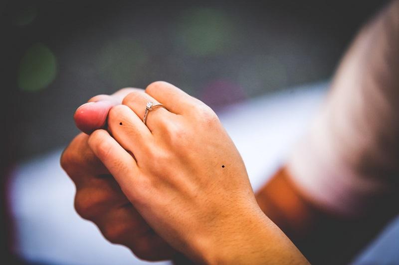 nốt ruồi ở tay
